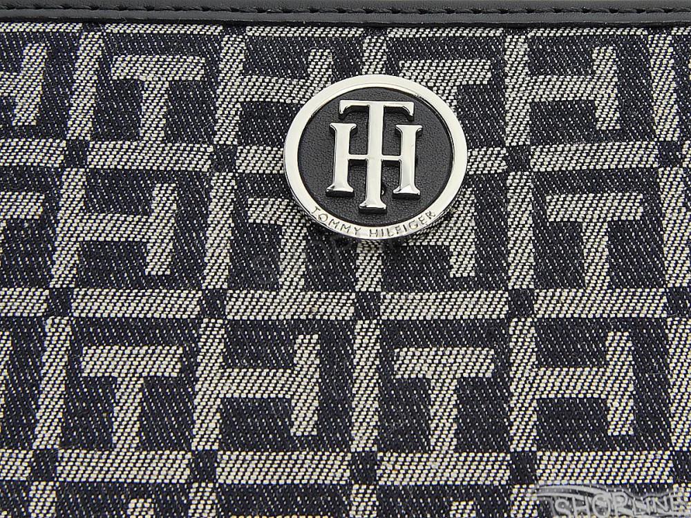 Peňaženka Tommy Hilfiger Th Essentials Large Z A Wallet Denim ... cd35b55f287