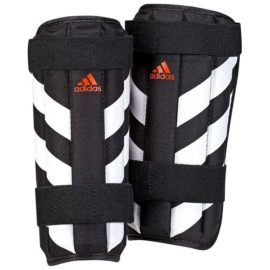 Futbalové chrániče Adidas Evertomic Lite - CW5563
