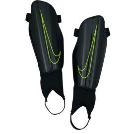 Futbalové chrániče Nike Charge 2.0 M - SP2093-010