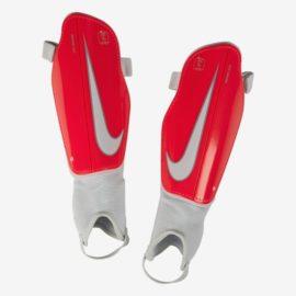 Futbalové chrániče Nike Charge 2.0 - SP2093-671