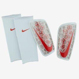 Futbalové chrániče Nike Mercurial Flylite SuperLock - SP2121-043
